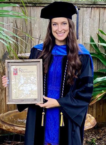 Victoria Graduated Picture